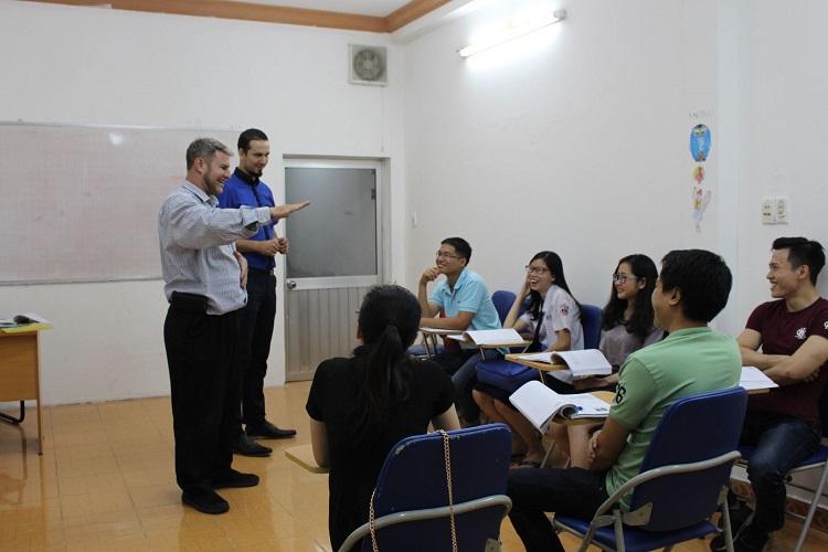 Trung tâm dạy tiếng Anh căn bản ITC