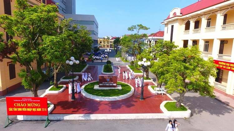 Đại học đào tạo công nghệ dệt may-Đại học kinh tế và kỹ thuật công nghiệp