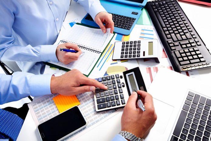 So sánh hóa đơn trực tiếp và hóa đơn giá trị gia tăng