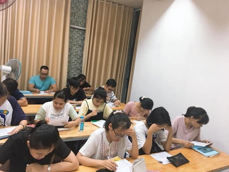 Trung tâm dạy giao tiếp tiếng Trung Hoa Ngữ Đông Phương tại TPHCM
