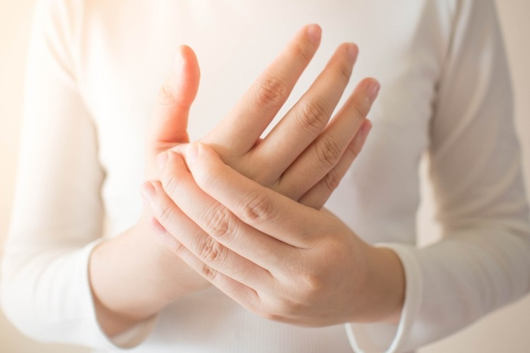 Cách phòng bệnh đau khớp ngón tay trỏ