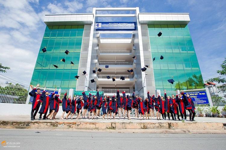 Trường Cao Đẳng Kinh Tế Đối Ngoại được đánh giá là một các trường cao đẳng tốt nhất ở TPHCM