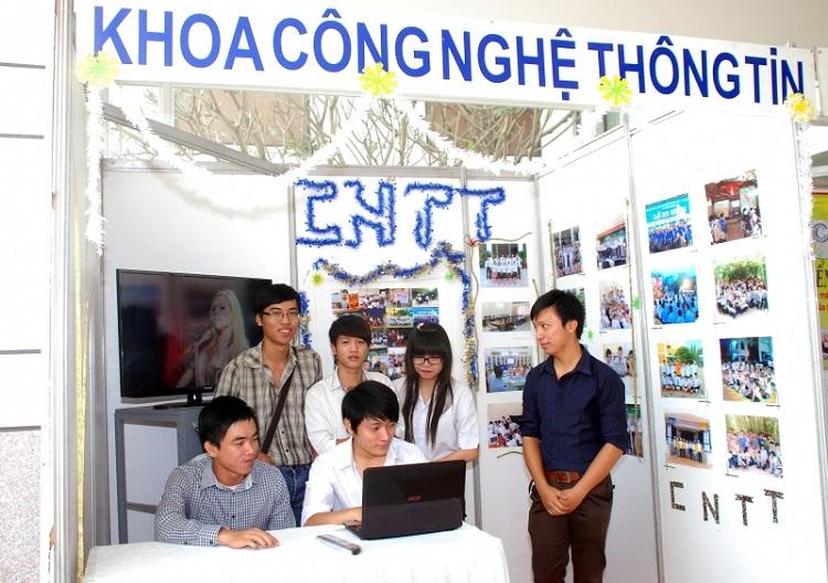 Trường trung cấp nghề Đồng hồ - Điện tử - Tin học Hà Nội là một trong các trường dạy nghề ở Hà Nội