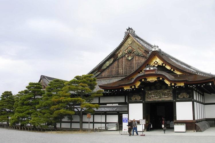 Lâu đài Nijo Nhật Bản